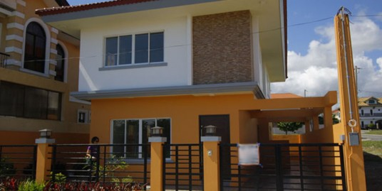Brand New 3-Bedroom 212 sqm. House in South Forbes