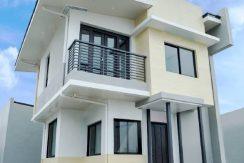 Redwood 70 sqm model house araya residences