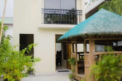 Entrance Villa de Toledo house