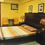 STANDARD ROOM - With Queen Bed