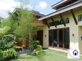 House in Plantation Hills with 1,120 sqm Farm lot, Tagaytay