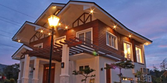 Modern Log Cabin House for Sale in Tagaytay Highlands