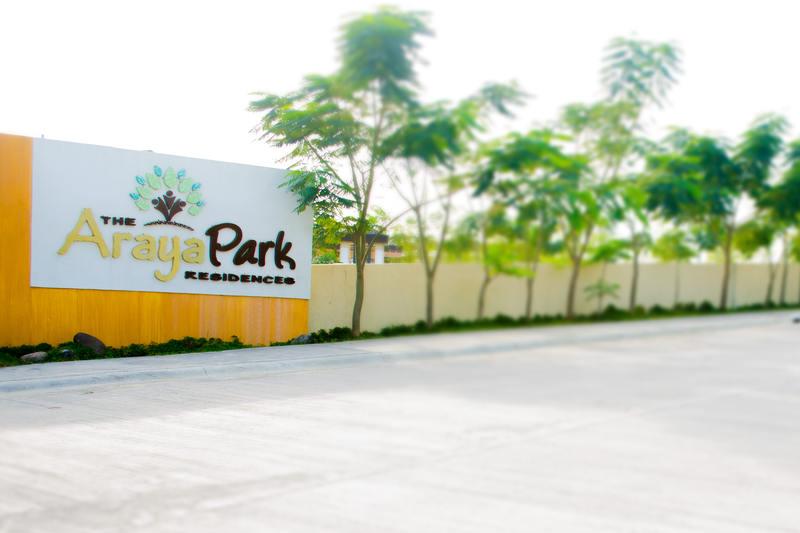 Araya Park Entrance