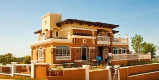 5 Bedroom House in Ayala Greenfield Estates, Calamba